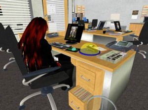 Frau Ehlers, die Buchhalterin der Moritz GmbH an ihrem Schreibtisch. Klicke auf Bild für Kurzfilm zur Einführung in die virtuelle HWR.
