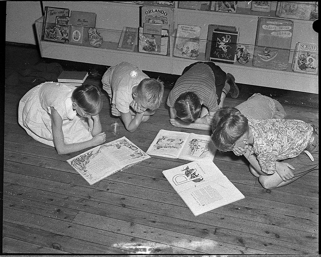 Children's Library, Hood Collection, 6 January 1955, flickr.com